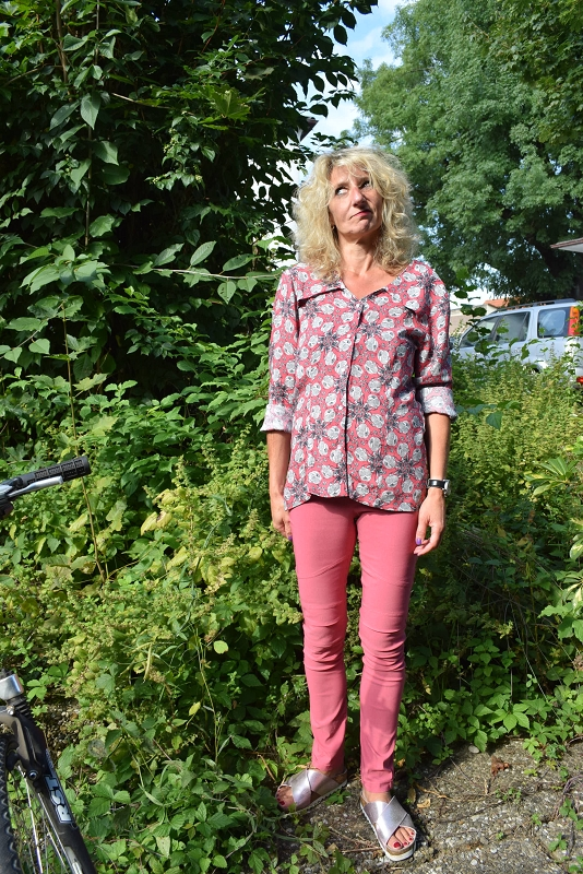 Cassie, biker leggings, nähen, leggings nähen, bikerleggings nähen, bengaline, biesen nähen, elle puls, diy hose, diy mode, handmadefashion, i make my clothes, burda bluse, trendy bikerleggings, derdiedaspunkt, Nähblog, sewingblog, herbsttrend 2017