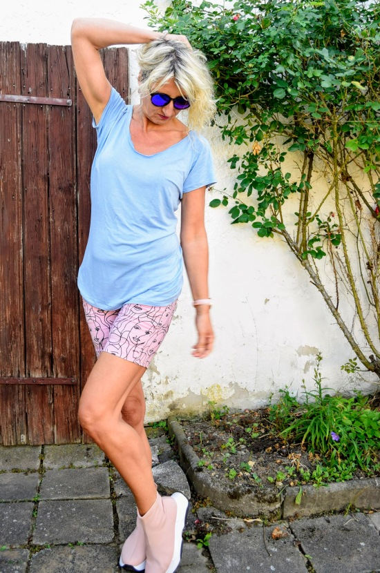halsbeleg, simply raglanshirt, sewera fashion, diy fashion blogger, nähen ü50, diy sommerfashion, diy shirt, raglan shirt nähen, nähen statt kaufen, diydontbuy, offenes Bündchen tutorial, eigener shirt schnitt, me made, sewing love, raglan pattern, shirt wickeloptik,